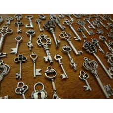10 Mixed Silver key Charms